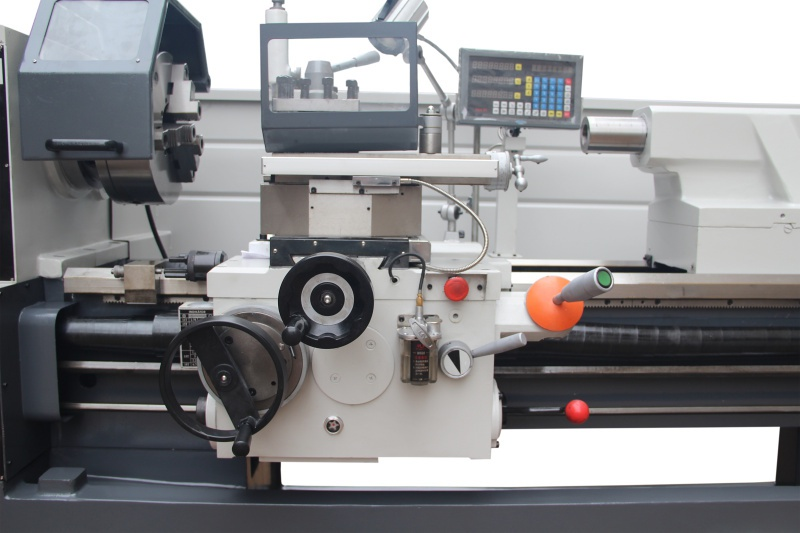 SPFX-2000PH  univerzálny sústruh s dig. odmeriavaním
