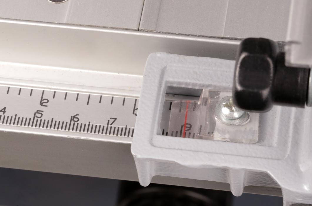 TSM1033 stolná kotúčová píla 1800 W